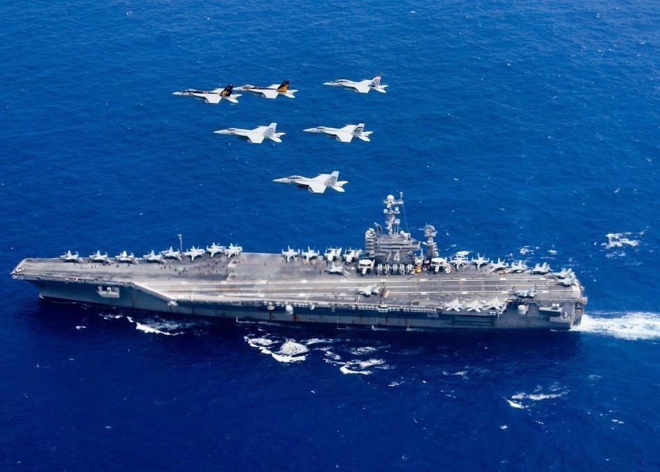 里根号航母     双航母编队气势汹汹