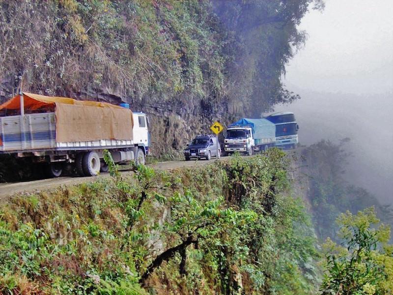 世界第一危险公路 仅60公里每年死300人 - 双梅 - 张静华