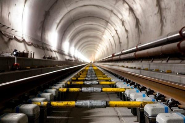世界上最长最深的铁路隧道在瑞士开通 - 双梅 - 张静华