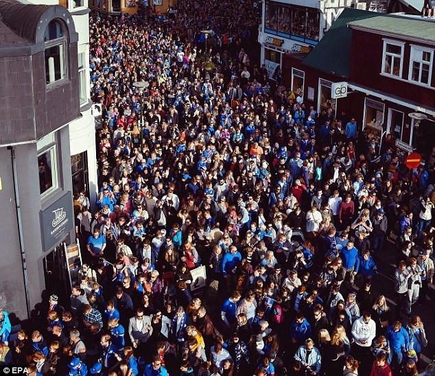 番禺一次性加厚咖啡杯 冰岛欧洲杯凯旋游行 全城膜拜