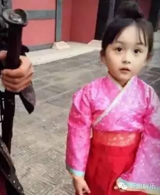 皇sei-尤其是动态萌化了   小嬴稷的出场同样萌哭了众人   还神奇的撞脸张艺