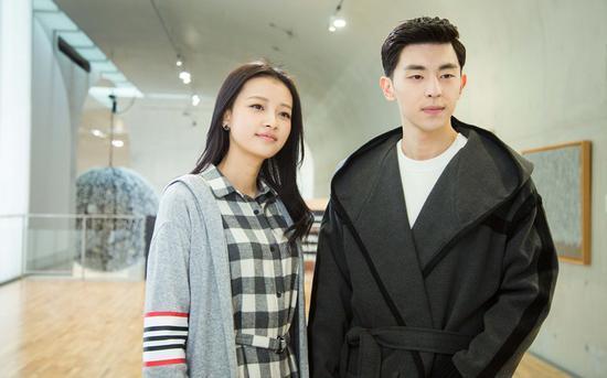 孙怡以及邓伦主演的校园青春偶像栏目《十五年等待候鸟》收官.