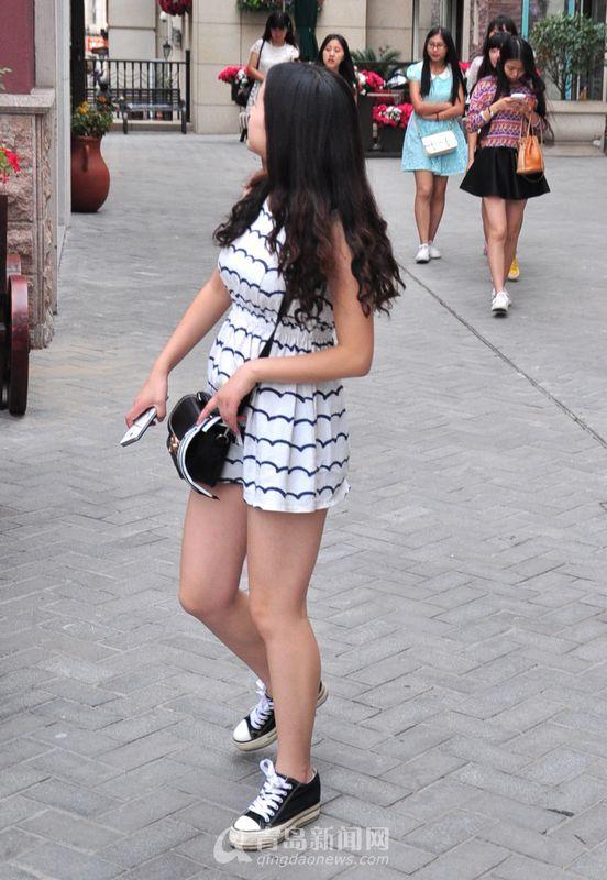 山东青岛美女街拍