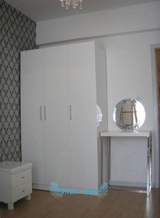 北欧风格家具:卧室衣柜