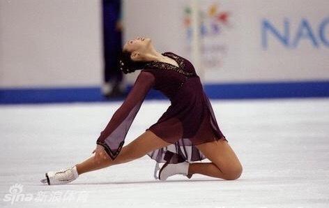 漳州新闻网首页 体育  作为冬奥会女单夺金最大的热门之一的浅田真央