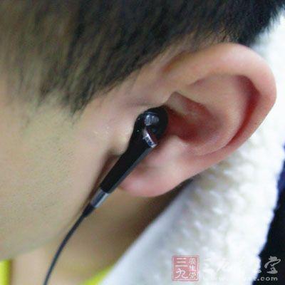 每个人耳朵的形状都是近似的