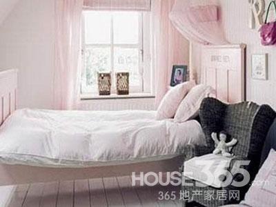 装饰搭配在一起也可以构成自己喜欢的家庭卧室装修效果图.下