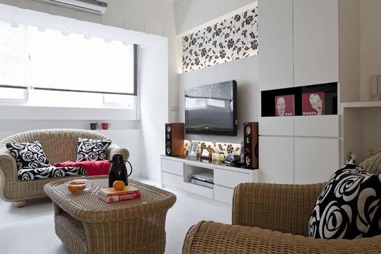 设计重点:沙发背景墙收纳利用 编辑推荐:沙发墙以细腻切割线条装饰
