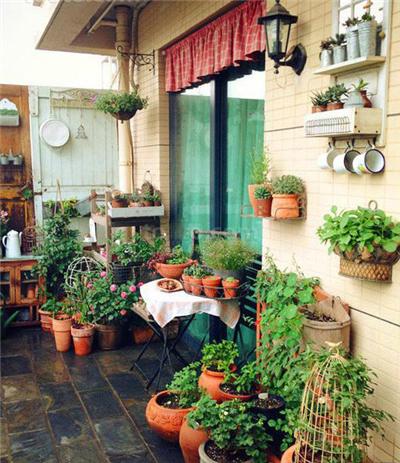 小编看看这30款美式田园风格小户型入户花园装修效果图,小户